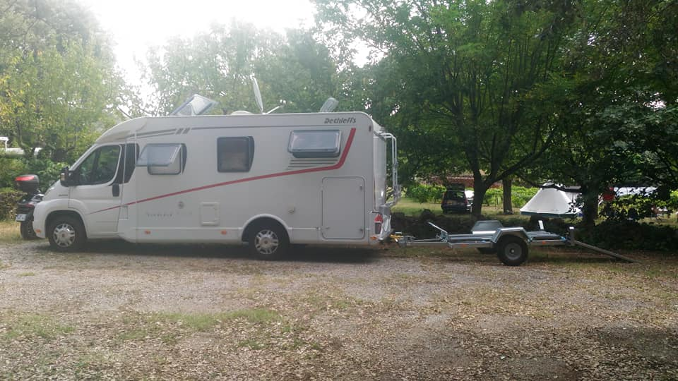 Aire camping-car à Corbès (30140) - Photo 1